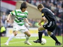 Celtic's Shunsuke Nakamura takes on Scott Morrison