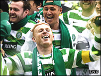 Neil Lennon celebrates the cup win with his Celtic team-mates