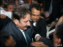 Mr Chaudhry surrounded by lawyers in Islamabad