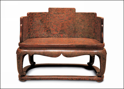A gilt-incised lacquer throne dating from the Kangxi period (1662-1772)