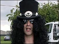 Slash from tribute band Guns 2 Roses