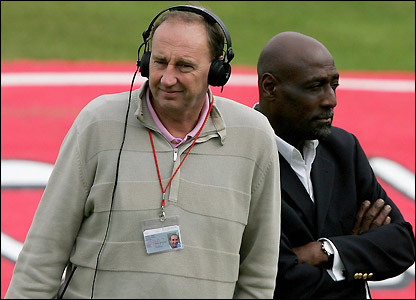 Sir Viv Richards and the BBC's Jonathan Agnew