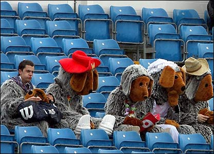 Cricket fans brave the wet weather at Headingley