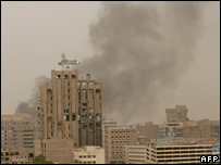 Smoke from car bomb over Baghdad, 28 May 2007