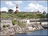 Crowds lining Plymouth Hoe to welcome Gipsy Moth IV
