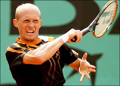 http://newsimg.bbc.co.uk/media/images/42979000/jpg/_42979783_davydenko.jpg