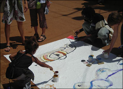 Artists painting street art in Kampala, 27 May 2007