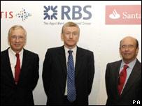 (l-r) Jean-Paul Votron, Sir Fred Goodwin and Emilio Botin