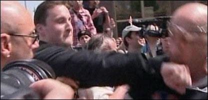 Избиение гей-активиста