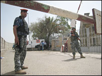 Iraqi police commandos guard the finance ministry in Baghdad