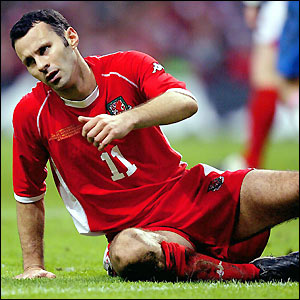 Giggs shows his disappointment