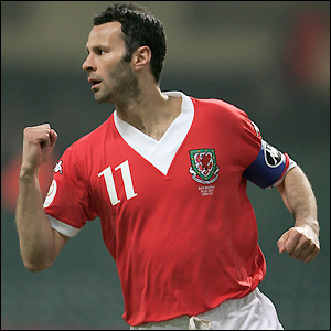Giggs celebrates scoring against San Marino