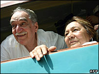 Garcia Marquez and his wife Mercedes Barcha arrive at Aracataca in May 2007
