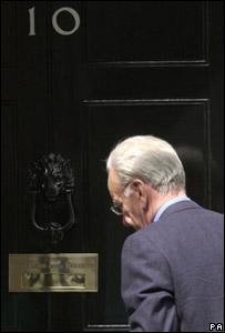 Rupert Murdoch entering No 10