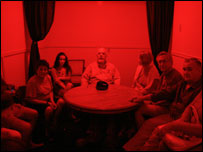 A seance held by Victor Vogenitz with the Cassiaro family