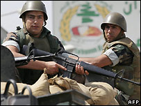 Lebanese soldier outside the Nahr al-Bared camp - 31/05/2007