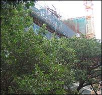 Mukesh Ambani's skyscraper under construction