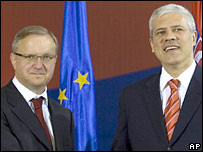 EU Enlargement Commissioner Olli Rehn (left) with Serbia's President Boris Tadic