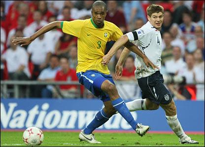 Steven Gerrard challenges Naldo