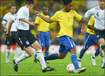 Nicky Shorey up against Ronaldinho