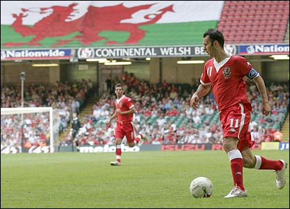 Ryan Giggs on the attack