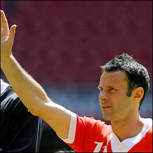 Ryan Giggs waves to the crowd