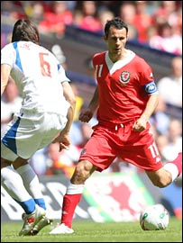 Ryan Giggs terrorised the Czech Republic defence