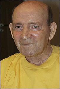 Jan Grzebski, sonriente