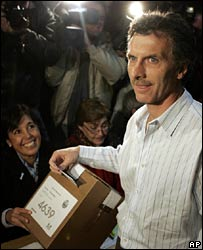 Mauricio Macri during the first round on 3 June
