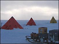���������������� ������� (Scott tents)
