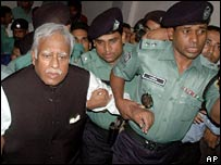 Abdul Jalil, in court in Dhaka, May 29, 2007
