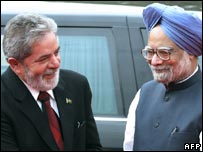 President Lula (left) with Indian Prime Minister Manmohan Singh