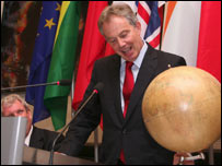 Tony Blair addresses Globe International forum