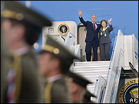 US President Bush and his wife Laura arrive in the Czech Republic