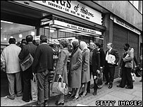 Bread queue in London