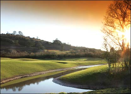 Hole 5, 457 yards, Par 4 the Ryder Cup Course at Celtic Manor (photo: sportingwales.com)