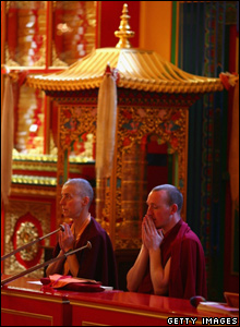 Buddhist prayers (Jeff J Mitchell/Getty Images)