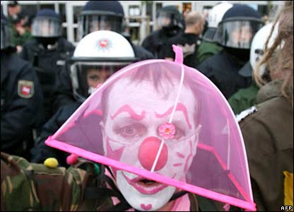 A protester dressed as a clown (06-06-07)