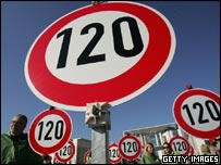 German campaigners for speed limit