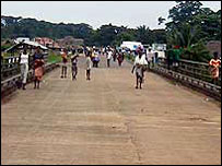 Mano River Bridge (from Refugees International)