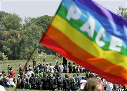 Anti-G8 protesters walk through a field near the north-eastern German town of Bollhagen