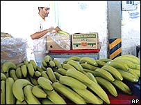 Chiquita banana plant and worker