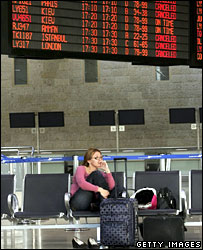 Delayed passenger at Ben Gurion airport (archive)