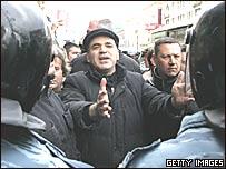 Kasparov ante policías