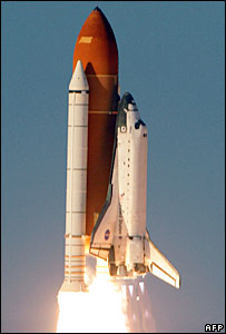 US space shuttle takes off (file picture)