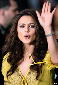 http://newsimg.bbc.co.uk/media/images/43030000/jpg/_43030747_preity_zinta_220ap.jpg