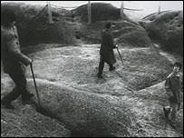 Imagen de la serie Siete intelectuales en el Bosque de Bamb� de Yang Fudong