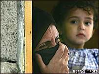 Familiares de un militante de Fatah muerto.
