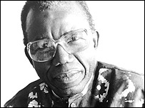Chinua Achebe (photographed by Jerry Bauer)