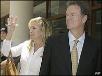 Kathy and Rick Hilton after visiting Paris in jail
